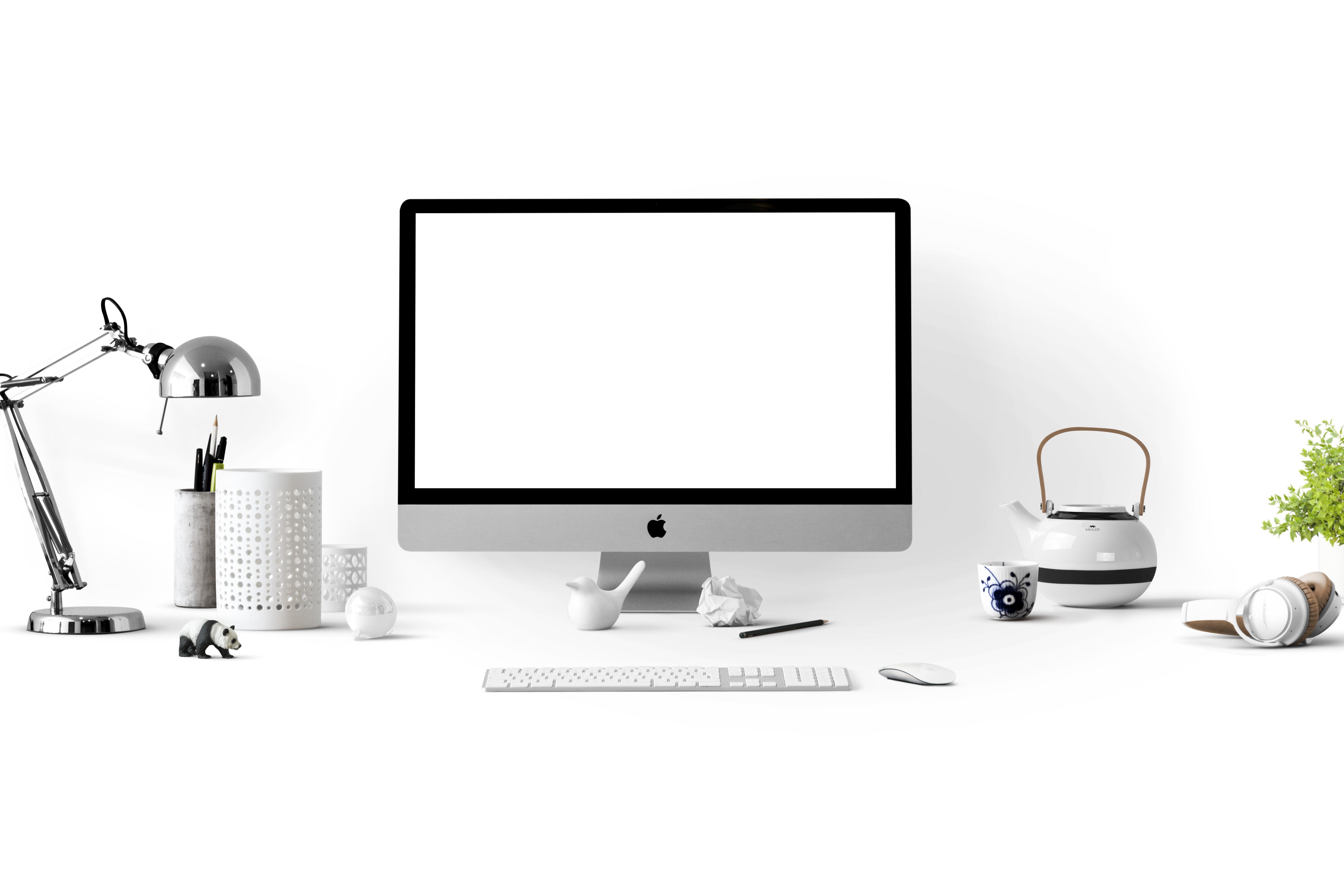 MWF_Case_Study_Computer_on_Desk